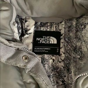 North Face Winter Puffer Coat - Grey